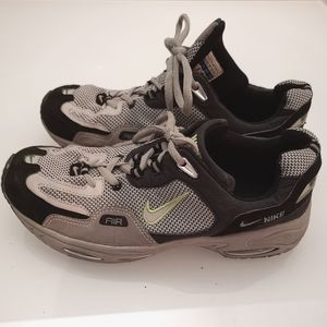 Nike running shoes euc